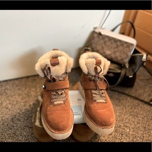 AUTHENTIC COACH Boots - EUC - Women's 6